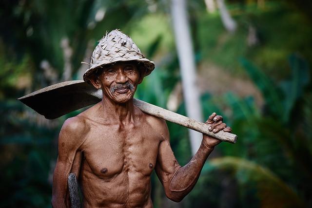 גבר זקן ושרירי