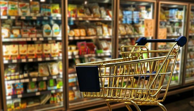 עגלת קניות בסופר